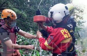 SALVAMONT: Acțiune complexă de recuperare a unui turist accidentat grav în Bucegi