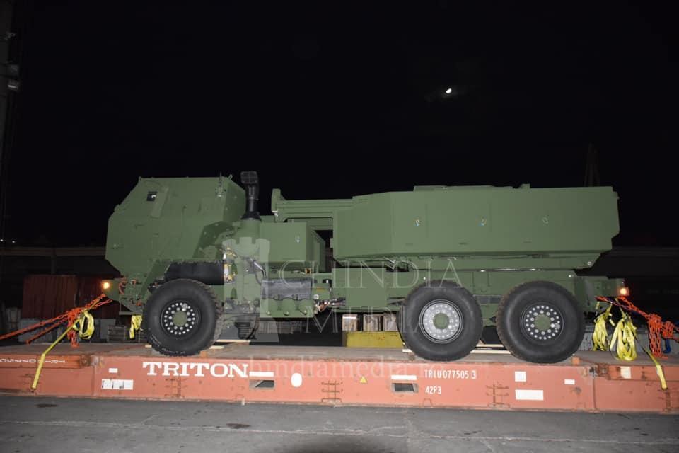 MApN: Primele elemente ale sistemului de rachete HIMARS au ajuns în România