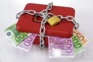 JURIDIC: Cum poate cineva să-ți ia banii din salariu și cum eviți abuzurile