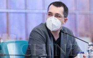 """Ministrul Sănătății: """"În spațiul exterior, masca nu este obligatorie pentru orele de sport"""""""