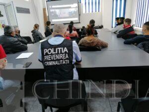 Întâlnire educativă între beneficiari adolescenţi şi deţinuţi